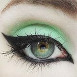 Concrete Minerals- Picture of Detox, mint green with silver sparkle Mineral Eyeshadow, Green Eyeshadow, Makeup For Green Eyes, Eyeshadow Looks, Eyeshadow Makeup, Eyeshadows, Club Makeup, Makeup 101, Diy Makeup