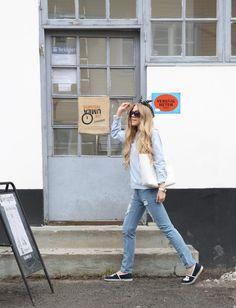 retro bleach straight-leg jeans