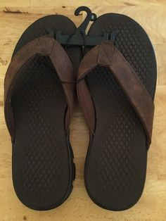 b81144ad55c Men s Cushioned Flip Flops Sandals Synthetic Leather Straps Brown Size 8 NEW