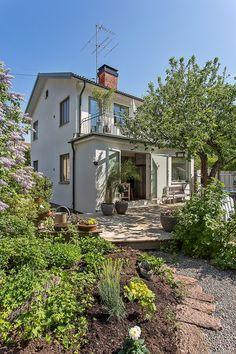 Dream House Plans, My Dream Home, Future House, My House, Summer House Garden, Swedish House, Backyard, Patio, House Extensions