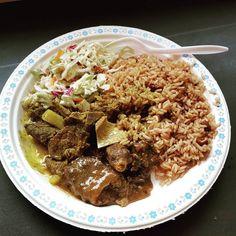 #currygoat #oxtail #riceandpeas #jamaican #jamaicanfood #foodporn #shouldhavebeenbornjamaican #sooogood #food  #mmmmm by justine2420