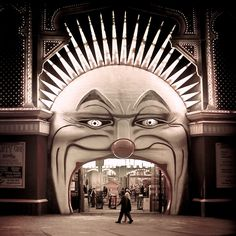 modern_Melbourne / Circus / Vintage: A perfect entrance to a circus