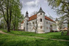 Zamek Chobienia z XVI w.