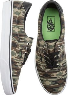 Vans era 59. http://www.swell.com/New-Arrivals-Mens/VANS-ERA-59?cs=CA