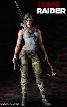 Lara-Croft-Play-Arts-Kai-Figure-01