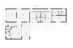 Casa prefabricada de diseño minimalista y grandes porches. El modelo Saona de Casas inHAUS, con líneas largas y rotundas, estilo moderno y alta calidad.