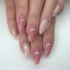 101 Classy Nail Art Designs for Short Nails - pennycakes - 101 Classy Nail Art Designs for Short Nails The cute simple design on one nail is super easy to do, and it just uses your natural nail color, so you don't need to worry about running the . Neutral Nails, Nude Nails, Pink Nails, Glitter Nails, My Nails, Acrylic Nails, Glitter Gel Polish, Oval Nails, Shellac Nails