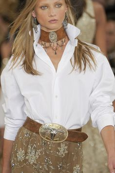 New york fashion 320037117251588410 - Ralph Lauren Spring 2011 Runway Pictures – StyleBistro….I absolutely love Ralph Lauren's style….always fabulous! Mode Boho, Mode Chic, Western Chic, Western Wear, Cowgirl Chic, Look Fashion, Fashion Outfits, Womens Fashion, Fashion Design