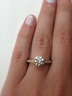 Yellow Gold Solitaire Round Cut Diamond Engagement Ring