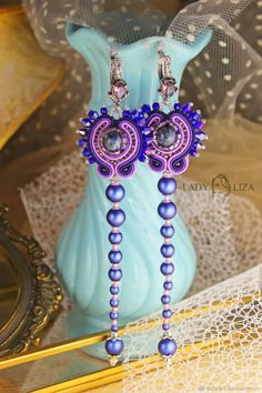 Jewelry designing tips: elements of design Shibori, Diy Jewelry, Jewelry Design, Jewelery, Earrings Handmade, Handmade Jewelry, Hair Reference, Soutache Earrings, Elements Of Design