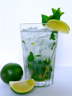 Recipes from all sources that are worth a try Bacardi Mojito, Bacardi Drinks, Bebida Mojito, Low Calorie Paleo, Plant Paradox Diet, Low Carb Recipes, Sugar Free, Smoothies, Lime