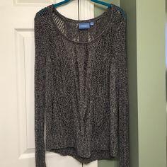 Vera Wang gray sweater Vera Wang gray sweater size medium. In great shape, was only worn a few times. Vera Wang Sweaters Crew & Scoop Necks