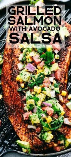 Awesome Grilled Salmon with Avocado Salsa Atıştırmalıklar Grilling Recipes, Fish Recipes, Seafood Recipes, Dinner Recipes, Cooking Recipes, Healthy Recipes, Recipes With Avocado, Tasty Meals, Tilapia Recipes