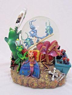 Disney Its A Bug's Life Musicial Snow Globe with box Plays A Bugs Life Flic #Disney