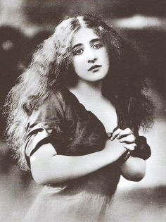 """Henny Porten, 1918. Frieda Ulricke """"Henny"""" Porten was a German actress and film producer of the silent era, and Germany's first major film star. She appeared in more than 170 films between 1906 and 1955. Wikipedia Died: October 15, 1960, Berlin, Germany"""