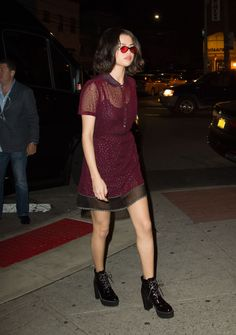 Selena Gomez Night Out in New York 09/12/2017. Celebrity Fashion and Style | Street Style | Street Fashion