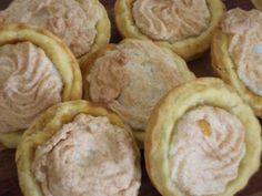 Generaal Hertzog koekies, beautifully filled with apricot jam...  Very tasty :)