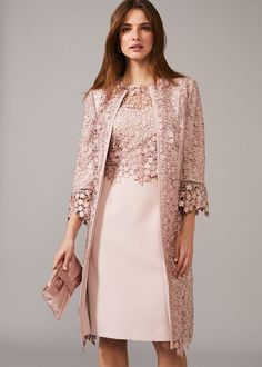 Crafted in intricate floral lace, the Mariposa occasion coat is the perfect option for the Mother of the Bride or Groom. This collarless style features an open front, scallop sleeve cuffs and hem. Mother Of The Bride Suits, Mother Of Bride Outfits, Mother Of Groom Dresses, Mother Of The Bride Fashion, Mother Bride, Lace Jacket, Groom Outfit, Formal Dresses, Casual