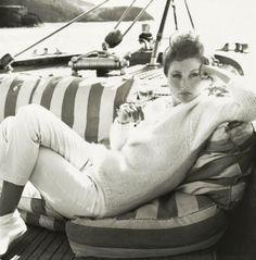 by Richard Avedon: model Suzy Parker Richard Avedon, Great Photographers, Portrait Photographers, Portraits, New York Times, White Photography, Fashion Photography, Vintage Photography, Dorian Leigh