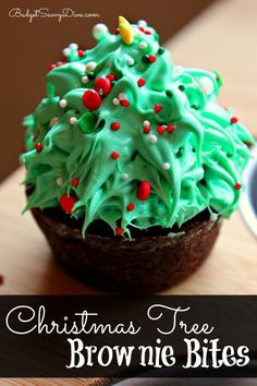 So Simple to Make!!! Everyone will love this holiday treat - yum! It can be made the night before an event - Christmas Tree Brownie Bites Recipe