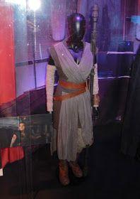 Daisy Ridley Star Wars: The Last Jedi Rey movie costume