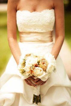 Pretty Wedding Dresses : theBERRY