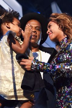 Beyonce, Jayz, & Blue Ivy at The 2014 Mtv Video Music Awards