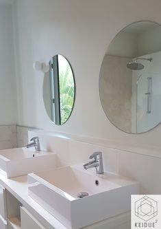 RÉNOVATION SALLE DE BAIN Agence Keidue² www.keidueagence.com . #renovation #salledebain #carrelage #faience #ciment #hexagonal #blanc #miroir #rond #vasque #robinet #scandinave #moderne #home #appartement #deco #inspiration #tendance #lifestyle #2018
