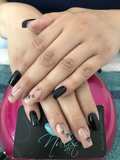 Acrylic nails, nails art, black nails, flower nails