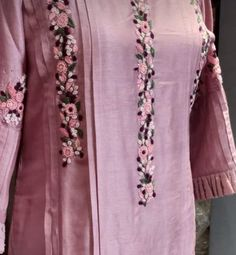 Best 12 Beautiful detailing with embroidery and pleats and sleeves – SkillOfKing.Com – SkillOfKing. Embroidery Suits Punjabi, Hand Embroidery Dress, Embroidery On Kurtis, Kurti Embroidery Design, Embroidery Neck Designs, Embroidery On Clothes, Embroidered Clothes, Embroidery Fashion, Modern Embroidery
