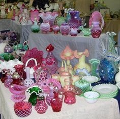 FENTON: Excellent article by Pamela Wiggins (about.com's antique expert): The Collector's History of Fenton Glassware: Fenton Collection at Round Top