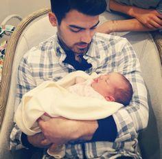 Joe Jonas says Alena Rose Jonas brought the Jonas Brothers back together!
