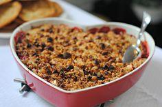 Jordbær-rabarber tærte med marcipan crumble