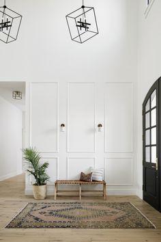 Interior Trim, Luxury Interior Design, Interior Architecture, Home Living Room, Living Room Decor, Door Entryway, Entrance Foyer, Entryway Ideas, Hallway Ideas