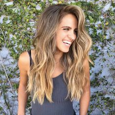 Hair Color Ideas For Brunettes Balayage Dark Loose Waves Super Ideas Dark Blonde Hair Color, Blonde Hair Shades, Balayage Hair, Ombre Hair, Hair Highlights, Chestnut Highlights, Brunette Blonde Highlights, Sunkissed Hair Brunette, Balayage Brunette Long
