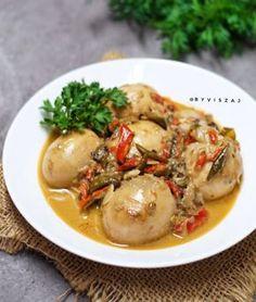 Resep telur santan © 2020 Instagram/@byviszaj ; Instagram/@iaalamsyah79 Egg Recipes, Cooking Recipes, Indonesian Cuisine, Indonesian Recipes, Baby Potatoes, Menu Planning, Allrecipes, Food And Drink, Diet