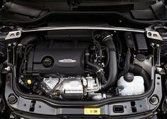 29 Eylül-4 Ekim tarihlerinde yapılacak olan Paris Otomobil Fuarında otomobil severler ile buluşacak olan Mini John Cooper Works GP, gerek tasarımı ile gerekse performansı ile göz dolduruyor. Mini John Cooper Works GP belirgin arka kanat, spor süspansiyonlar ve sadece 2000 adet üretim sayısı ile ön plana çıkıyor. Performans anlamında Mini John Cooper Works'den 7 bg daha güçlü olan bu model güçlü yapısı ile çok ses getirecek gibi görünüyor.    Daha fazlaı için www.tasit.com