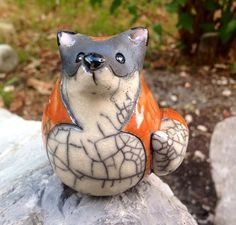 Renard roux en céramique Raku ***DISPO à partir du 20/9*** Raku Pottery, Pottery Sculpture, Bird Sculpture, Animal Sculptures, Pottery Animals, Ceramic Animals, Clay Animals, Ceramic Figures, Clay Figures