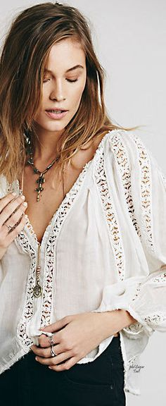 4531 New Free People Fp One Flower Chain Crochet Lace White Cotton Blouse Top S Boho Tops, Lace Tops, Boho Fashion, Fashion Looks, White Cotton Blouse, White Blouses, Gypsy, One Clothing, Blouses For Women