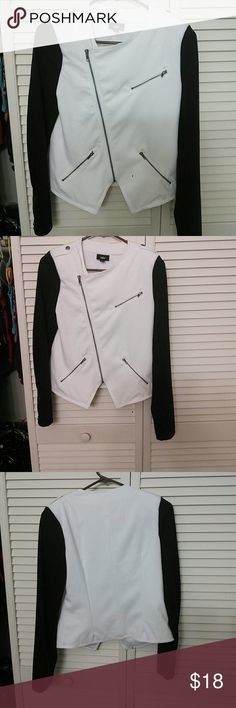 Womens Blazer Never worn blazer. The sleeves are black and the body is white. No stains. Sharp looking! The sleeves have zippers on them. Mossimo Supply Co Jackets & Coats Blazers