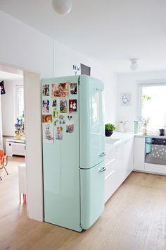 Home Decor Styles .Home Decor Styles Kitchen Interior, Kitchen Decor, Home Interior, Vintage Fridge, Retro Fridge, Cute Kitchen, Smeg Kitchen, Smeg Fridge, Kitchen Appliances