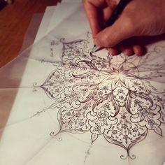 ✔ Tattoo For Women Flower Mandala Tattoo Designs, Mandala Tattoo Design, Tattoo Design Drawings, Mandala Art, Flower Mandala, Islamic Art Pattern, Pattern Art, Arabic Pattern, Arabesque