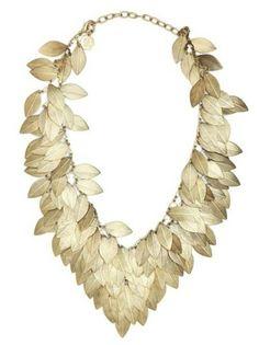 whatwouldkhaleesiwear:  What Would Khaleesi Wear?Gold Leaf necklace