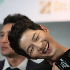 Seo Dae Young, Korean Song Lyrics, Song Joong Ki Cute, Soon Joong Ki, Decendants Of The Sun, Korean Tv Series, Comedy Pictures, Songsong Couple, You Are My Hero