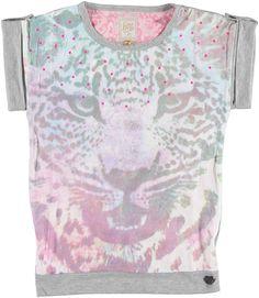 Retour Lindy Multicolor. Super leuk shirtje van Retour voor meiden. Het shirt heeft een vervaagde tijgerkop op het voorpand en bij de hals zitten hard roze steentjes. voor 39,95
