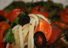 Paleo Plan, Caprese Salad, Food, Vegan Breakfast, Vegan Chocolate, Vegan Cake, Paleo Breakfast, Essen, Meals
