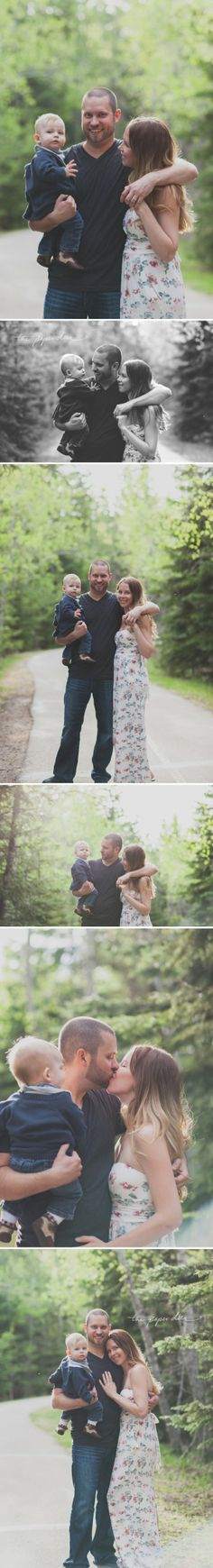 I love these family photos--how they're less posed.  Photo by Paper Deer Photography.