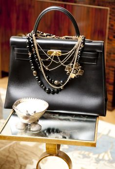 When you mix a classic Kelly bag with a vintage CHANEL necklace--the recipe is a master of classicism and beauty ... @}-,-;--