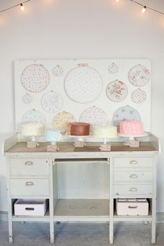 Shabby Chic Cakes on stands