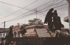 #Ahora Cortejo procesión del señor sepultado San Felipe Apóstol Retalhuleu  Fotografias: Guillermo Sales  Corresponsal  #CucuruchoEnGuatemala